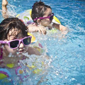 Préparez l'été et achetez une piscine hors sol pour votre jardin