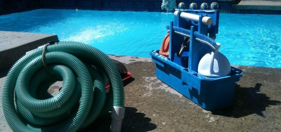 Quels sont les accessoires essentiels pour une piscine ?