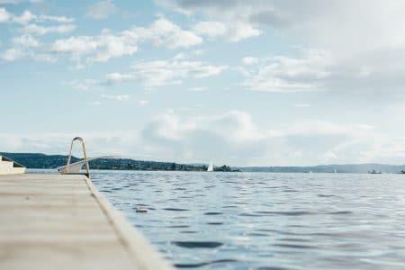 Pourquoi faire le choix d'un volet de piscine immergé ?